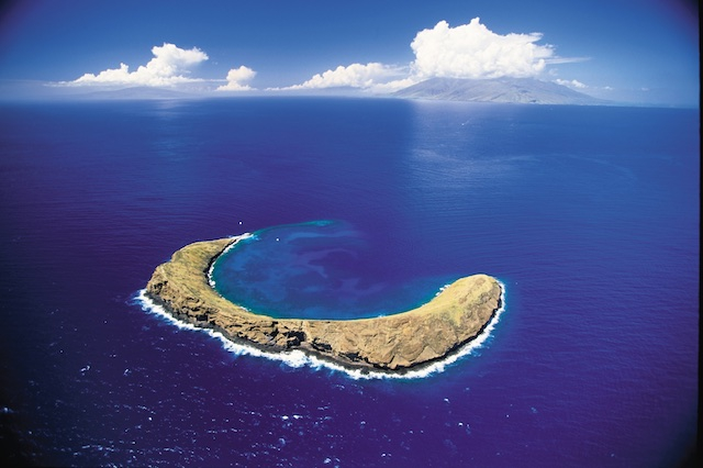 Molokini-Crater_-Maui-c-Hawaii-Tourism-Authority-HTA_Ron-Dahlquist