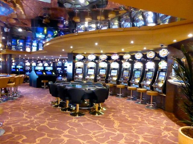 House of fun slots casino similar games