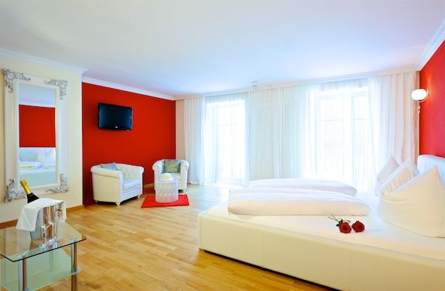 Das Foto ist ausschließlich für PR- und Marketingmaßnahmen des Hotel GUT EDERMANN - Holzhausen 2 - D-83317 Teisendorf - zu verwenden. Jegliche Nutzung Dritter muss mit dem Bildautor Günter Standl (www.guenterstandl.de) - (Tel.: 00491714327116) gesondert vereinbart werden.